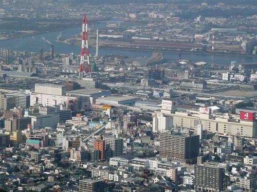 花尾山頂より見た黒崎駅周辺