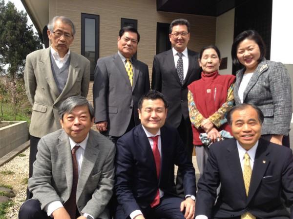 田中県議のお宅に集まってくださった皆様方と かわの義博
