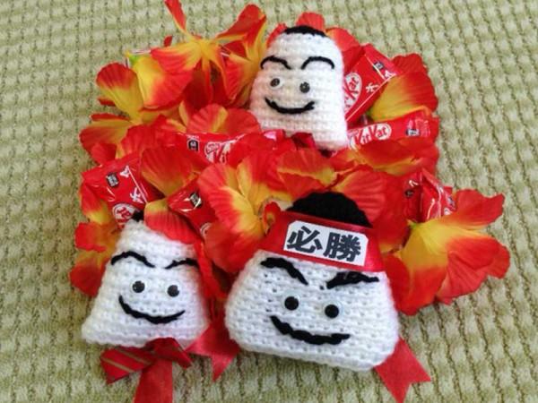 熊本のご婦人が心を込めて作ってくださったかわの義博「おむすび必勝レイ」