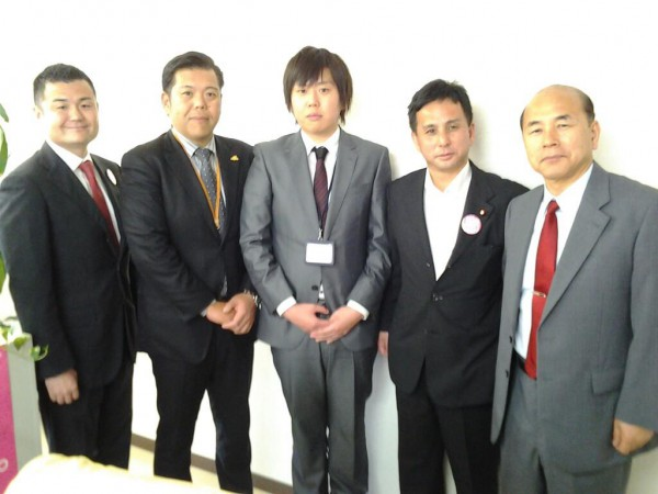 池辺電機社長、ご子息、遠山衆議院議員、竹中公明党大分県本部代表とかわの義博
