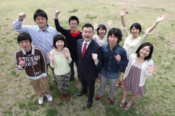 福岡で学ぶ学生の皆さんと、かわの義博