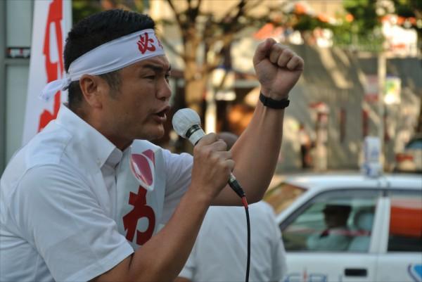 かわの義博、福岡市キャナルシティ前での街頭演説