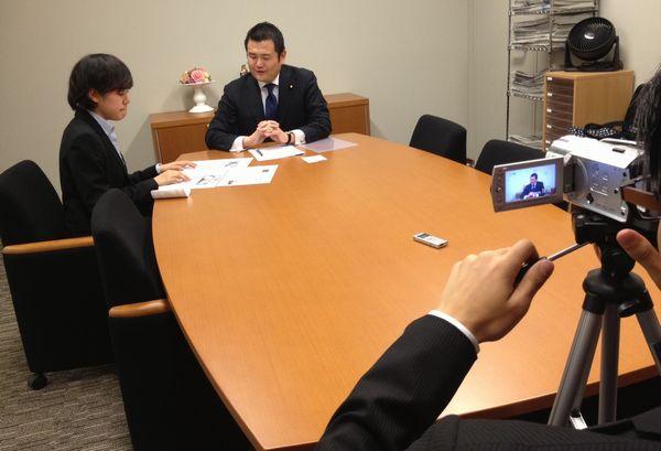 慶応大学放送研究会より取材を受けました。