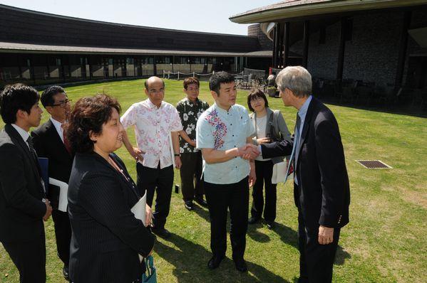 沖縄科学技術大学院大学を視察