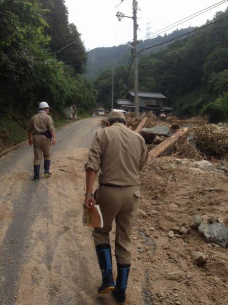 広島の土砂災害の被災地を調査