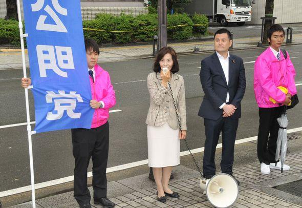 大城県議と共に憲法記念日の街頭