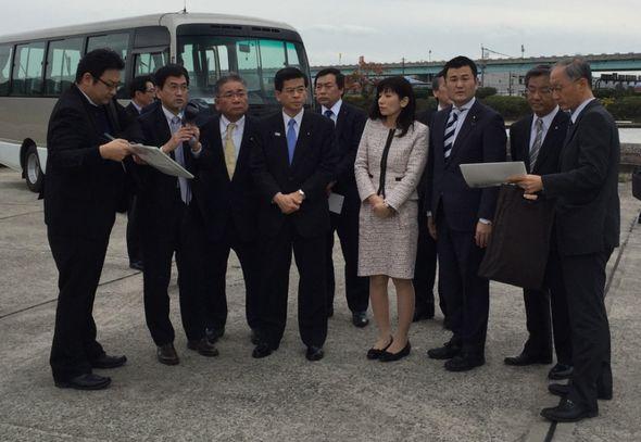 石井大臣と共に福岡空港を視察