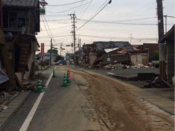 益城町役場近辺の倒壊状況