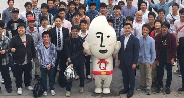 福岡市天神警固公園で学生局街道演説