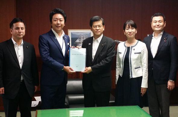 高島福岡市長と石井大臣に要望
