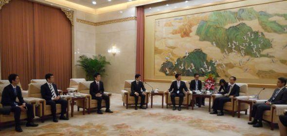 全国政治協商会議の王家瑞副主席と会談