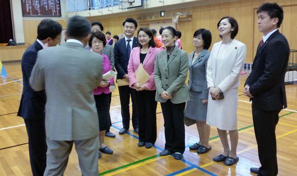 杉並区の富士見中学校を訪問